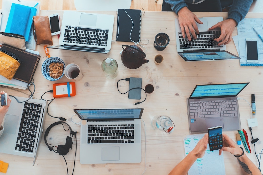 Collaboration on a desk. Photo: M.Meyer/Unsplash.com