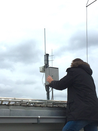 Mounting the radio antenna of the Low Range Network